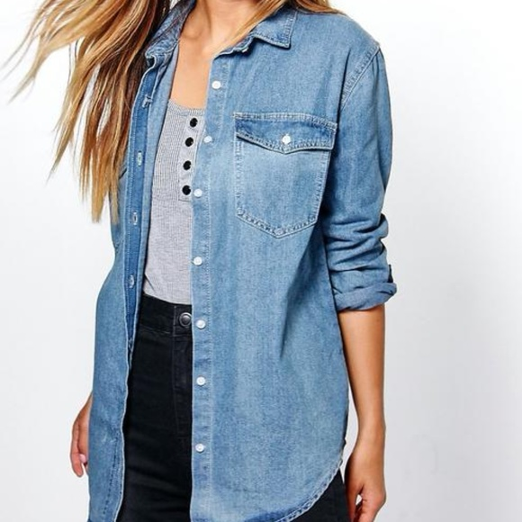 Boohoo Tops - NWT Boohoo 'Claudia' oversized denim shirt